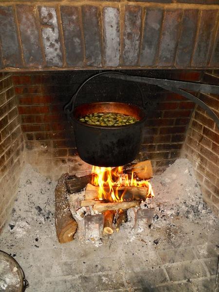 Cucinare la carne alla brace nel caminetto di casa chefsaga - Camino per cucinare ...